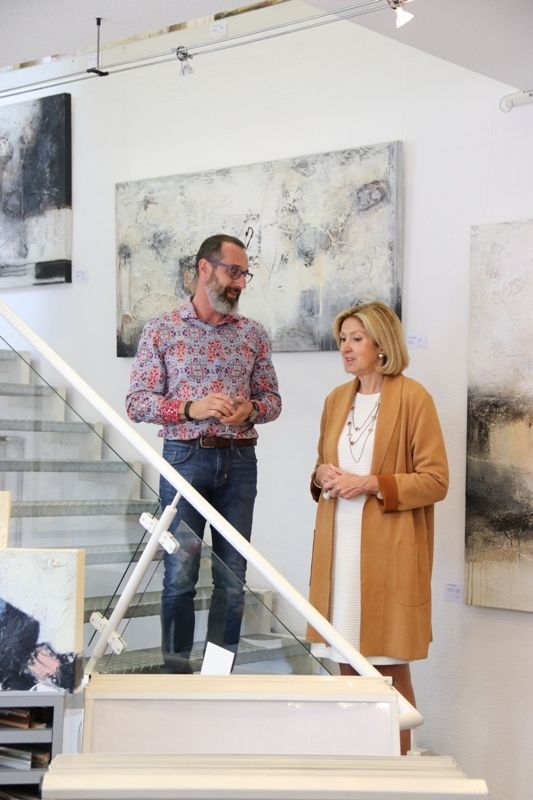 Schone Junge Frau In Ihrem Atelier Malerei Stockfoto Und Mehr Bilder Von Abstrakt Istock