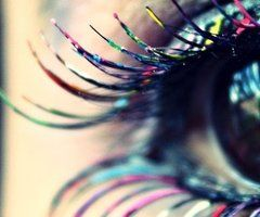 RAINBOW EYELASHES. TALENTED MAKE-UP ARTIST