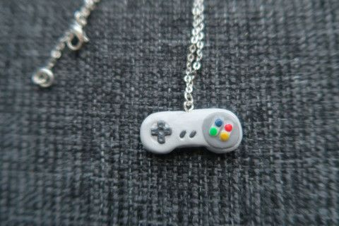 Nintendo Controller Necklace - Gaming necklace - The Jewel Saga  - 1