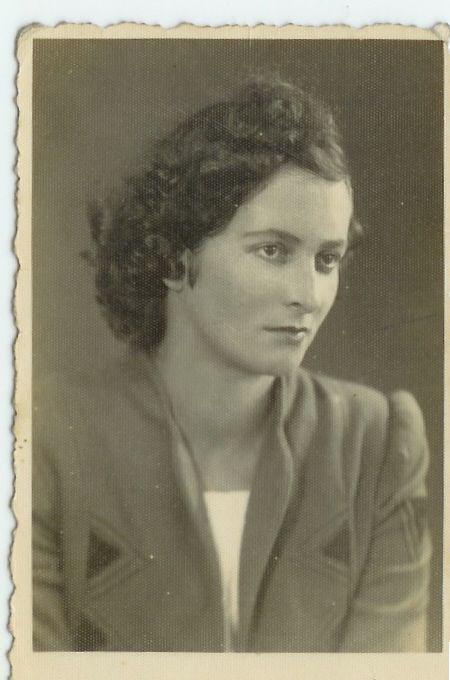 Publique e preserve gratuitamente suas fotos de história da família, tendo-as sempre à disposição, no FamilySearch.