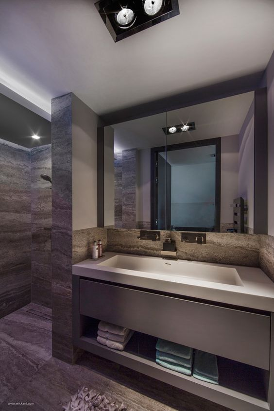 Ultramodern sleek house with sharp lines with this for Super modern bathrooms