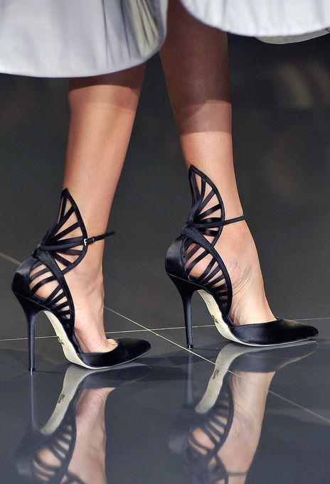 Ralph & Russo Runway Show - Fan cut out heels / Ralph & Russo