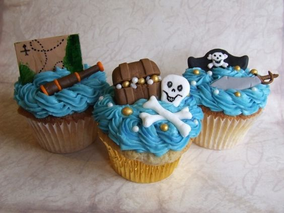 Pirate cupcakes  By: joaquinfan  URL: http://cakecentral.com/gallery/2352478/pirate-cupcakes