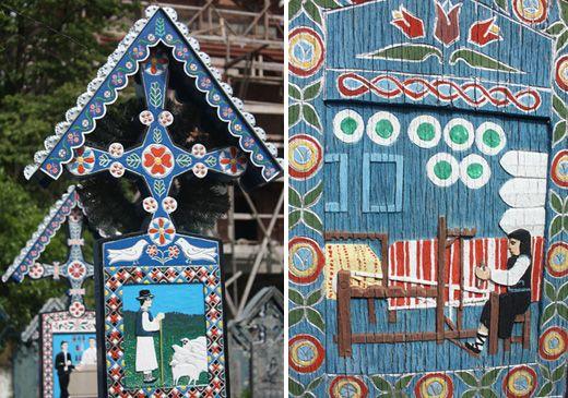 """Aux confins de la Roumanie existe un cimetière pas tout à fait ordinaire. Dans le """"joyeux cimetière de Sapanta"""", des croix mortuaires bariolées racontent la vie des défunts."""