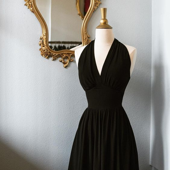 Sometimes, a simple black dress is all you need to make a statement. The Dottie Dress (sizes 0-22, $165) certainly fits the bill!