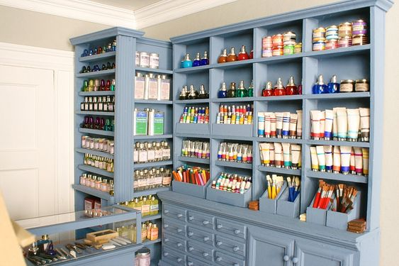Miniature Art Supply Shop....great!!