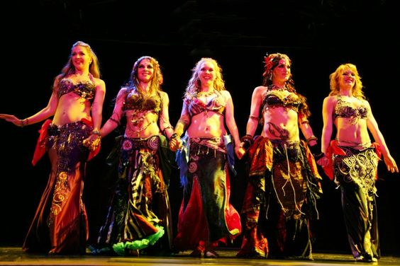 Moria Chappell taking a bow during Club Bellydance tour with The Bellydance Superstars