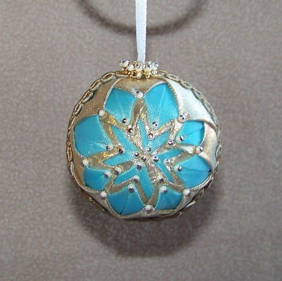 Details about small handmade quilt quilted star ball for Small gold christmas ornaments