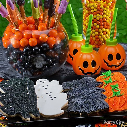 Halloween Party Food Ideas: Devilishly Delicious Desserts! - Party City   #partycity and #halloween