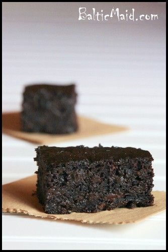 Healthy Zucchini Brownies by balticmaid: With not even a hint of the secret ingredient, these are filled with gooey chocolatey goodness. #Brownies #Chocolate #Zucchini #balticmaid