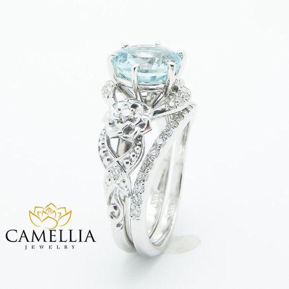 Einzigartige Aquamarin Verlobungsring Set 14K von CamelliaJewelry
