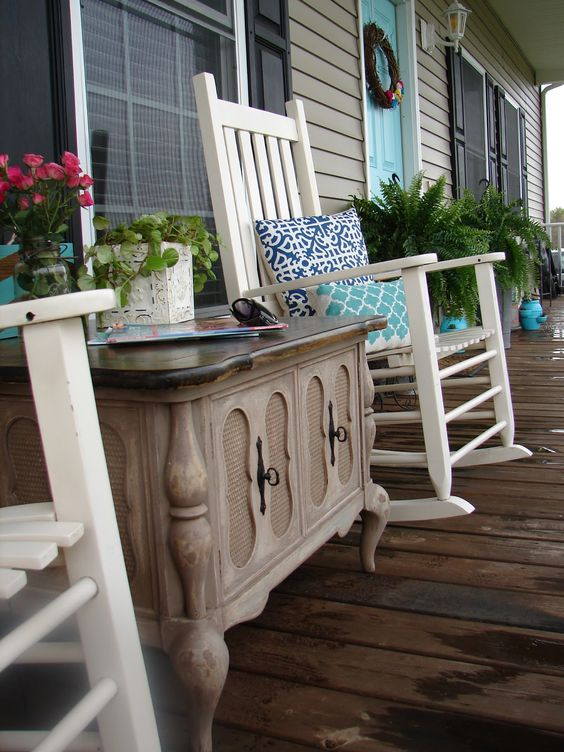Pinterest the world s catalog of ideas for Enclosed porch furniture ideas