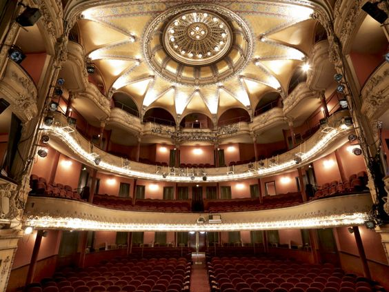 The Theatre Antoine In Paris Home Of Theatre Libre Movement Of Andre Antoine And Currently Showing Garden Party Paris Th Theatre Paris Theater Architecture