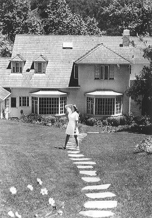 Judy Garland in the back yard of her Stone Canyon home - Judy Garland Database: Judy Garland's Homes: