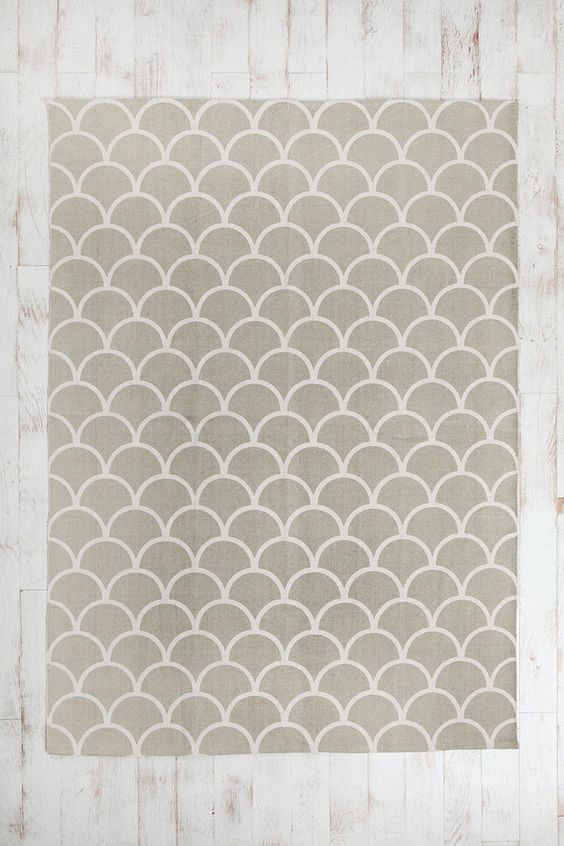 Stamped scallop rug urban outfitters scallops and patterns for Dining room rugs 5x7