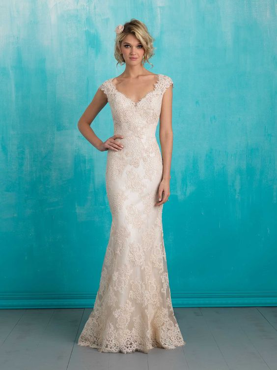 Vintage Lace and Satin Sheath Dress - 20 Best Choices of Sheath Wedding Dress - EverAfterGuide