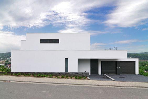 Traumhaus in Traumlage Architecture, Bauhaus and House - haus modern bauen