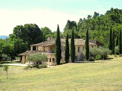Picture of 5 bedroom Farmhouse in Villelaure, Provence for sale with 200000m2 of land - Reference 174152