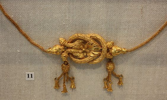 Gold fillet with a Herakles knot Greek, Hellenistic, late 4th–3rd century B.C.