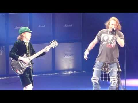 Shoot to Thrill  AC DC W Axl Rose@Wells Fargo Center Philadelphia 9 20 16