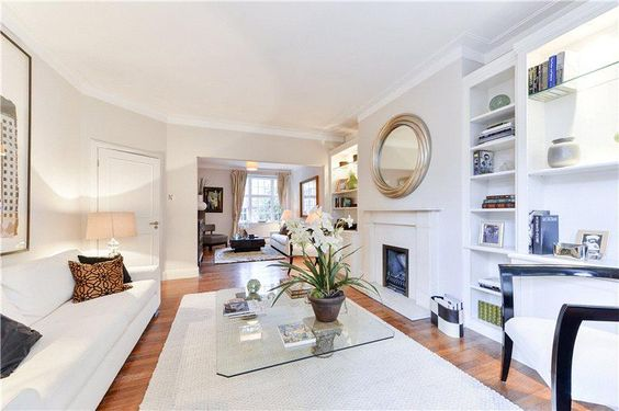 A well arranged, wide, low built house with balanced entertaining and bedroom space.    http://www.johndwood.co.uk/property-for-sale/4-bedroom-house-in-Flood-Street-SW3/CST150051/