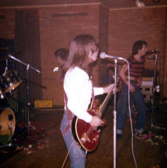 NO FELIPING: los discos de AC/DC de peor a mejor - Página 2 795575ff24ba0d85b7a68a49e440aadf