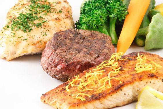 A Dieta das Proteínas emagrece, mas por ser bastante restritiva dos pontos de vista calórico e nutricional, é importante optar por alimentos saudáveis.