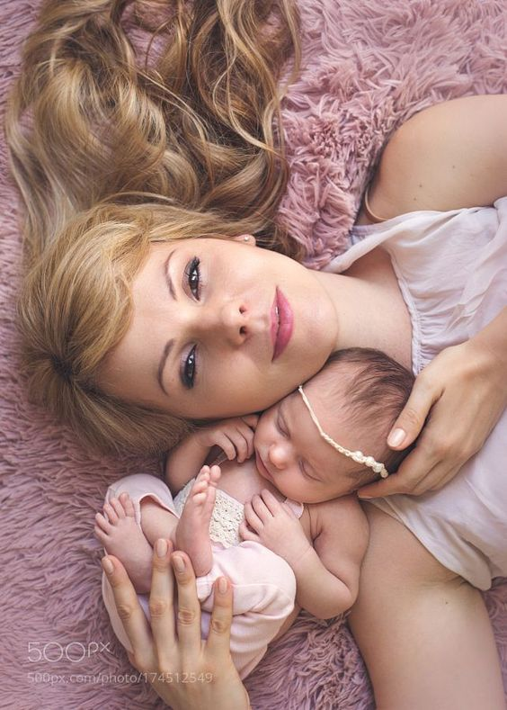 30 Stunning Mom And Baby Photo Shoot Ideas To Try At Home Baby