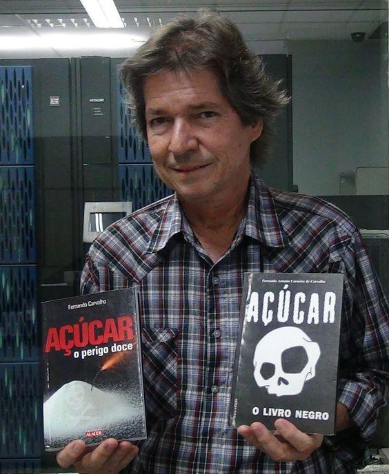 """Entrevista com Fernando Carvalho, autor de """"O Livro Negro do Açúcar""""."""