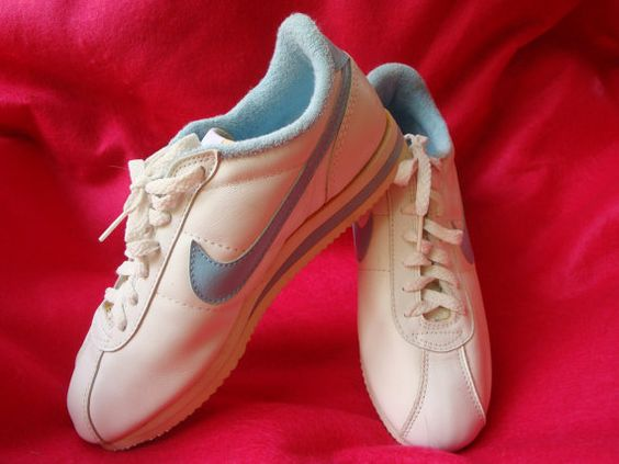 NIKE Vintage 80s Sneakers Leather Womens Tennis Track