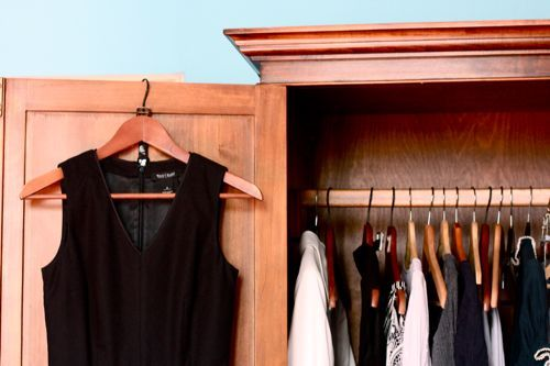 How to Downsize Your Wardrobe with Common Sense