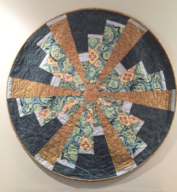 Wall Circle Quilt by QuiltinginCirclesLLC on Etsy
