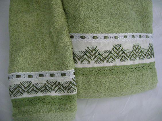 Juegos De Baño Verde:Otro juego de toallas (una de baño y una de mano) en tono verde
