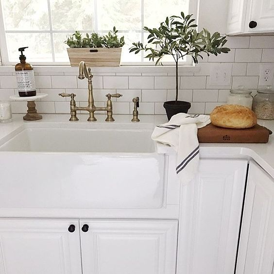 Vintage style kitchen faucets