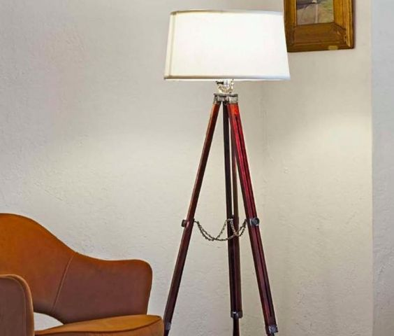 Comment Fabriquer Une Lampe Avec Un Vieux Tr Pied Photos Diy Toujours Des Projets