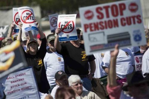 CNA: EEUU - Empleados Públicos no votarían por los Candidatos del Sistema si…