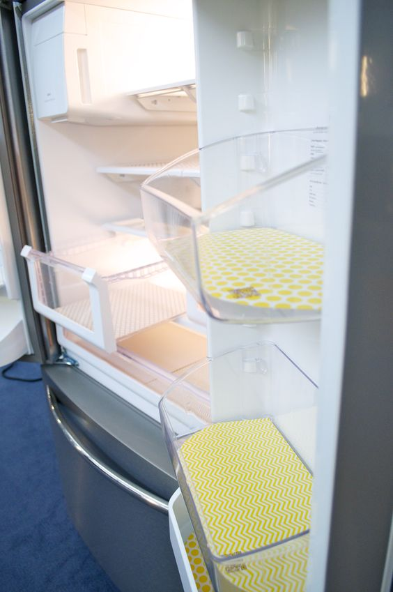 Lovin this idea....Fridge Coasters absorb, keeping me from taking bins out to scrub. And they look cute! #cleaningtips