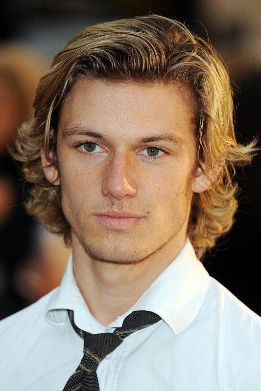 Top 10 Effortless Hockey Flow Haircuts For Easygoing Men Hockey Hair Boys Long Hairstyles Boys Haircuts