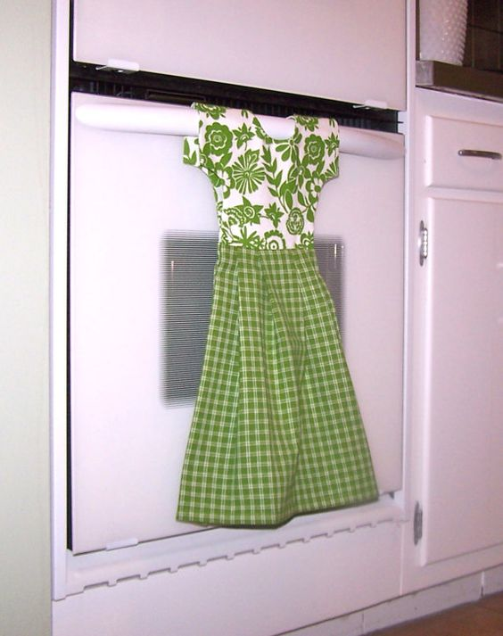 I want to make this! Dish Towel Dress for Oven Door or Towel Bar in Spring by klosti, $20.00