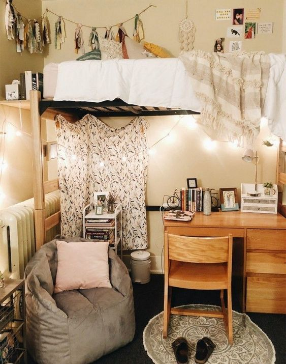 50 Beautiful College Apartment Bedroom Decorating Ideas #chicbedroom #bedroomdecorating #bedroomideas ~ aacmm.com