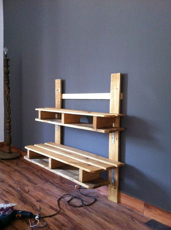 Recycled Pallet TV Media Wall Mounted Rack DIY PALLET