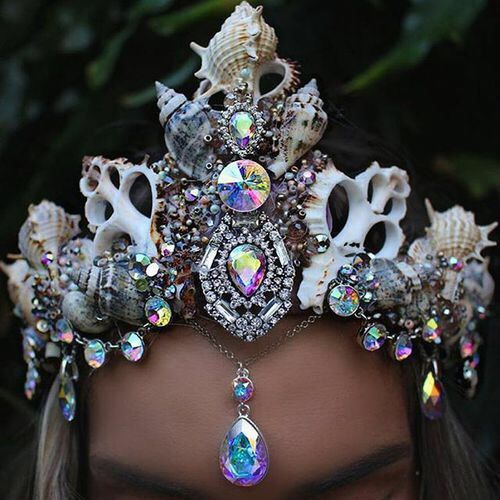 http://femtenn.tumblr.com/post/145482211287/trashcan-called-brain-mermaid-crown