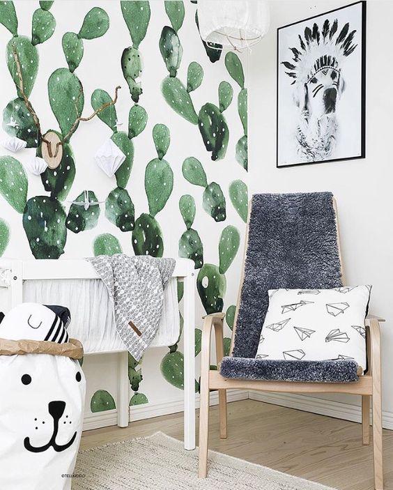 Papier peint cactus dans une chambre d'enfant