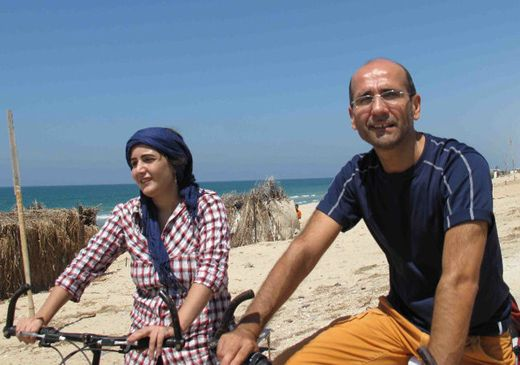 Palestinian woman breaks taboo to cycle across Gaza strip   The FRANCE 24 Observers