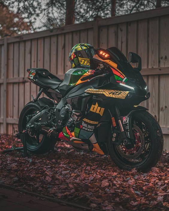 dessin moto de sport betting