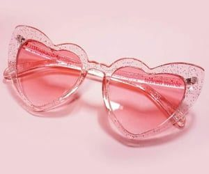 71 Images About Sunglasses On We Heart It See More About Sunglasses Style And Glasses Pink Vibes Pink Aesthetic Heart Sunglasses