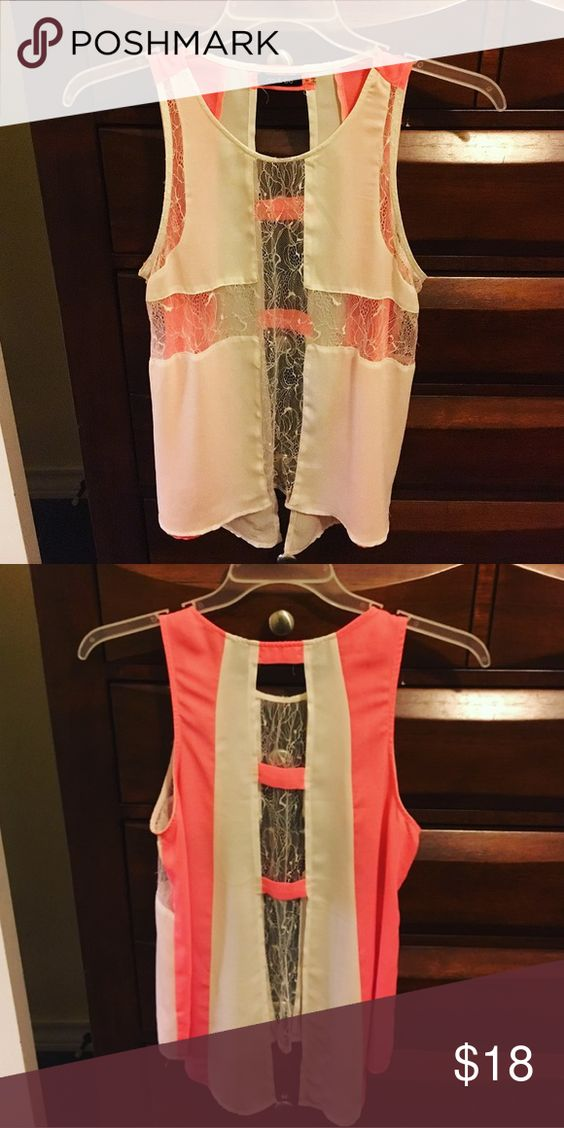 Do&Be white and hot pink top 💕 Great quality and condition! Wore once! The back is open and there is lace in the front! Do&Be Tops Blouses