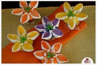 Spring Flower Cupcakes from @LifetimeMoms
