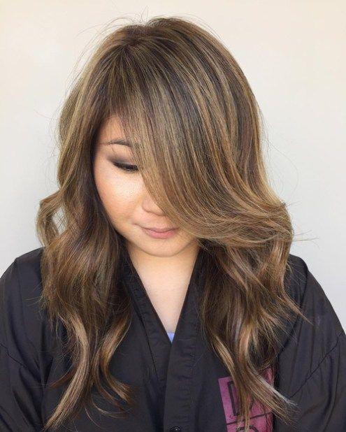 Long Layered Hairstyle For Round Face Womenshaircutstoshowyourstylist Frisuren Rundes Gesicht Rundes Gesicht Langhaarfrisuren