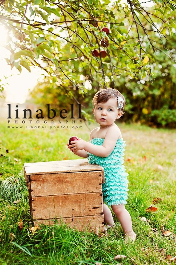 Love the apple orchard! #kids #photography